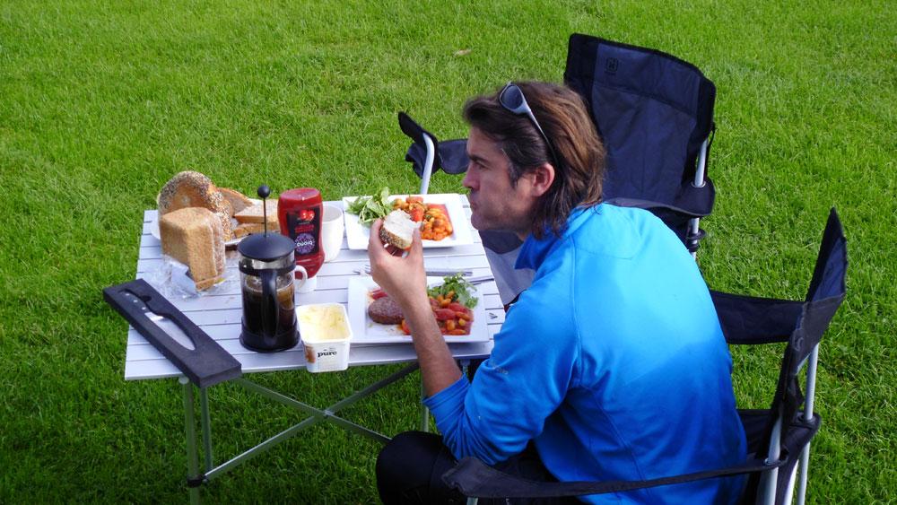 breakfast loch lomond